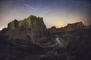 Shooting Star, Smith Rock, Oregon, Central Oregon, Starry Night